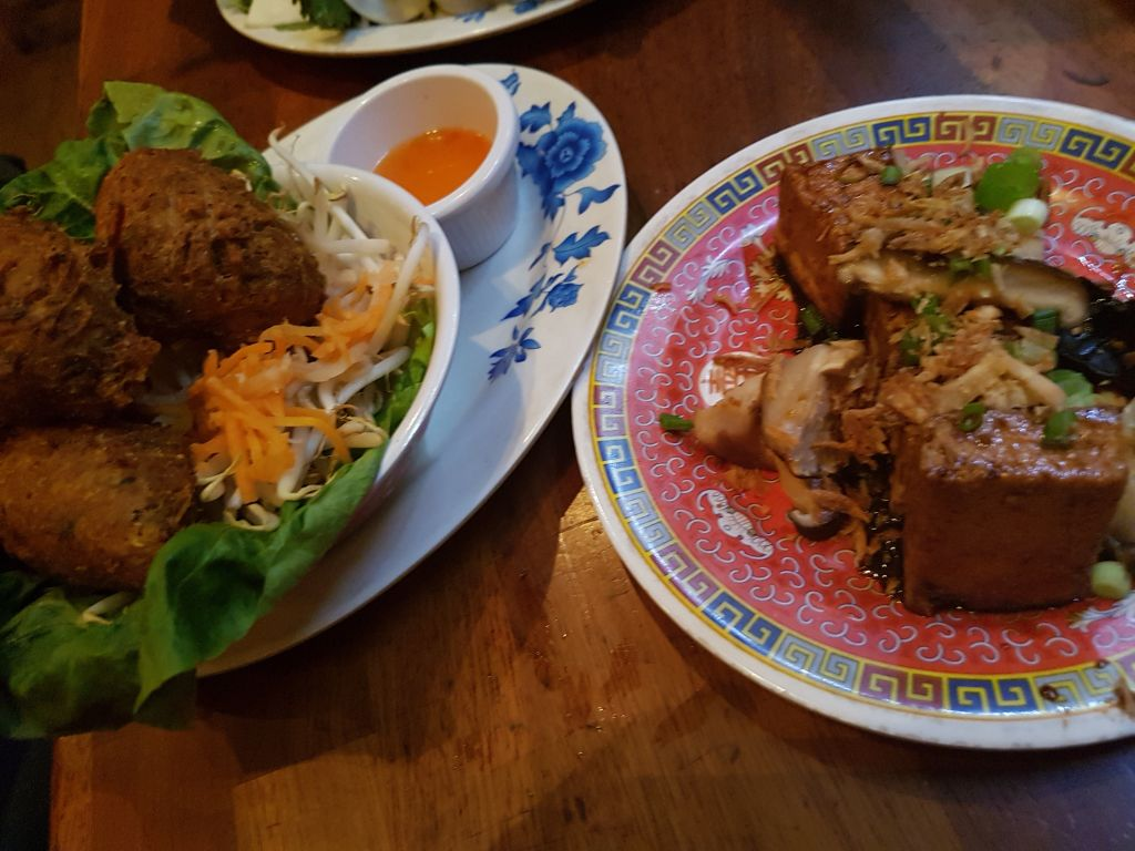 hanoi bike shop vegan options tofu